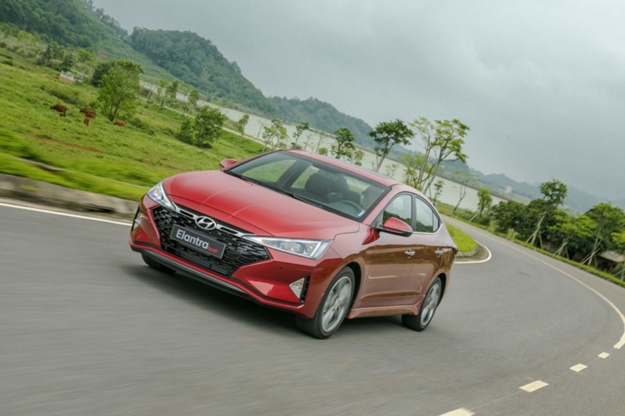 Hyundai Elantra 2019 phiên bản Sport 1.6T thiết kế thể thao